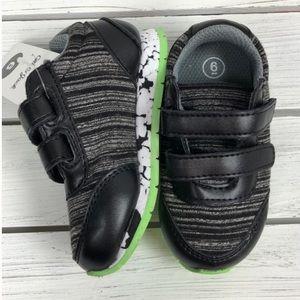 NWT Toddler Black/White/Green Velcro Sneakers